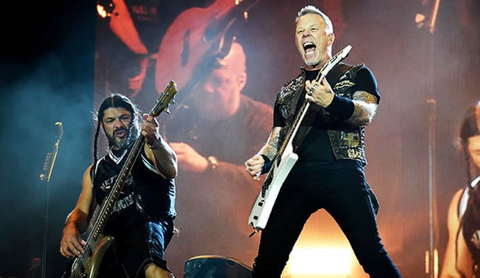 "Metallica presenta su nuevo video ""Moth Into Flame"""