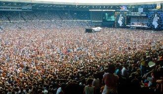 Gran cantidad de conciertos de rock se realizan en estadios deportivos